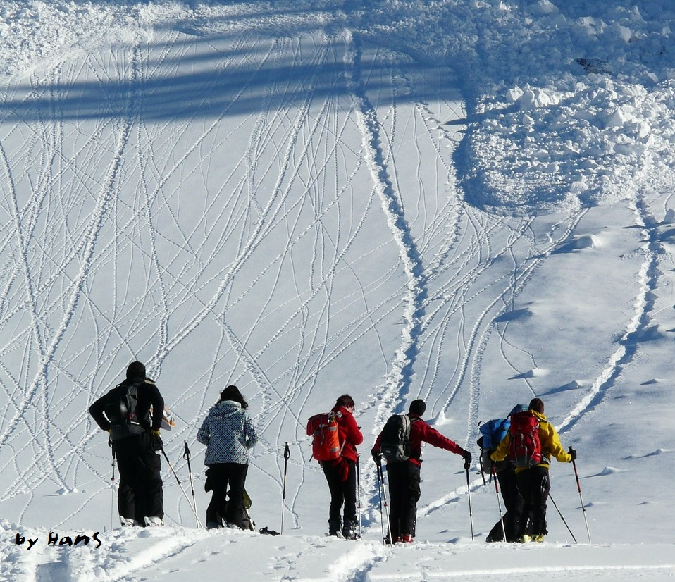 by-hans-backcountry-skiiing-16173_1280