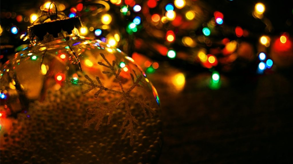 Christmas-Lights-001.jpg