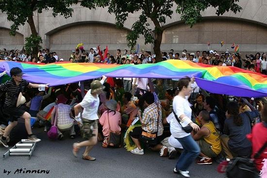 8169-圖1-1024px-Taiwan_Pride_2005_before_setout